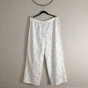 Love by Gap White Floral Wide Leg Eyelet Pants